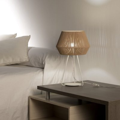 Lámpara-sobremesa-Banyo-beige-OlebyFM-Ayora-Iluminación