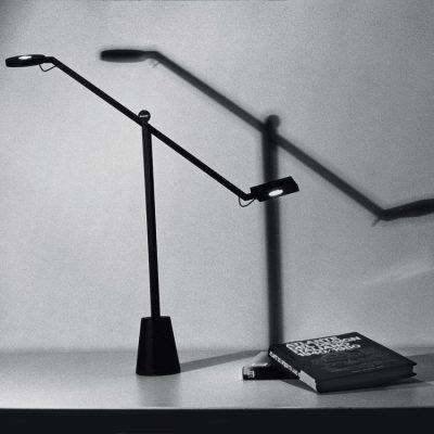 equilibrist-artemide-jean-nouvel-lampara-sobremesa-ayora-iluminacion