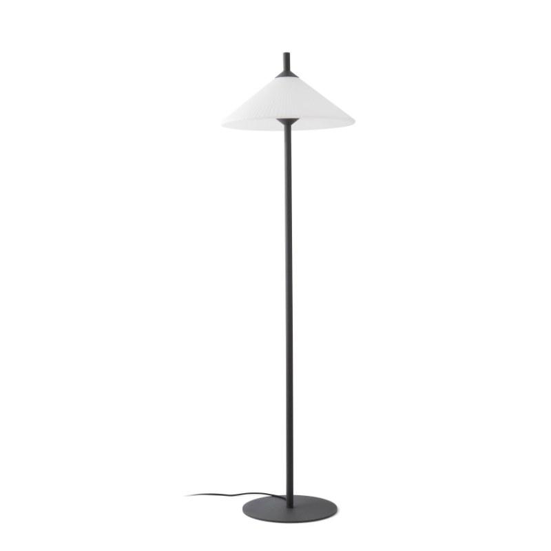 lampara-pie-exterior-faro-hue-outdoor-lighting-ayora-iluminacion-4