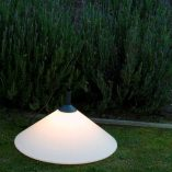 lampara-portatil-exterior-faro-hue-outdoor-lighting-ayora-iluminacion-01