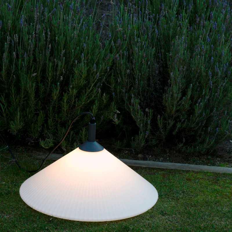 lampara-portatil-exterior-faro-hue-outdoor-lighting-ayora-iluminacion-01