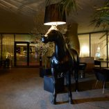 moooi-horse-lamp-interior-design-real-size-lampara-caballo-3