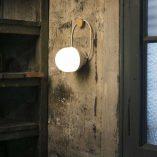 lampara-portatil-faro-take-away-led-blanca-01015-ayora-iluminacion-11
