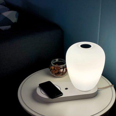 acb-like-led-cargador-blanco-lampara-sobremesa-ayora-iluminacion-1